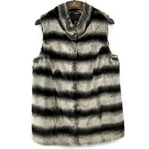 RACHEL ZOE Chinchilla Faux Fur Vest   NWOT